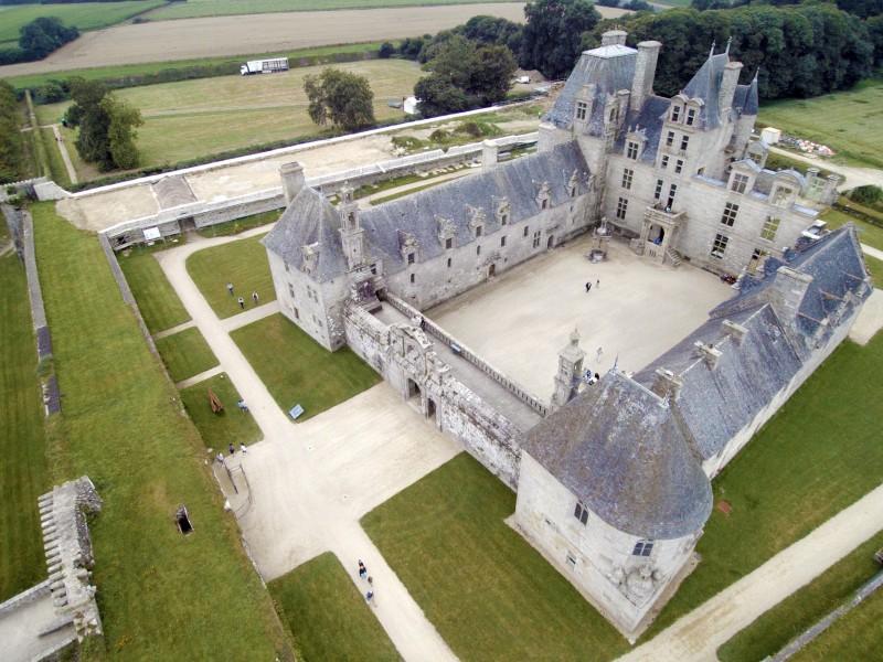 Le château de Kerjean bnb chambres dhotes hotels