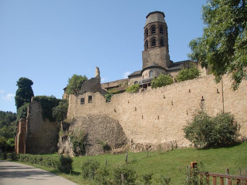 Abbaye Saint André de Lavaudieu bnb chambres dhotes hotels