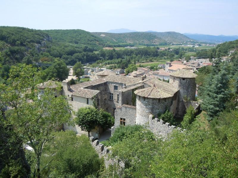 Château de Vogüé bnb chambres dhotes hotels