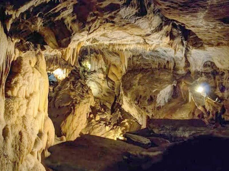 grotte de la deveze bnb chambres dhotes hotels
