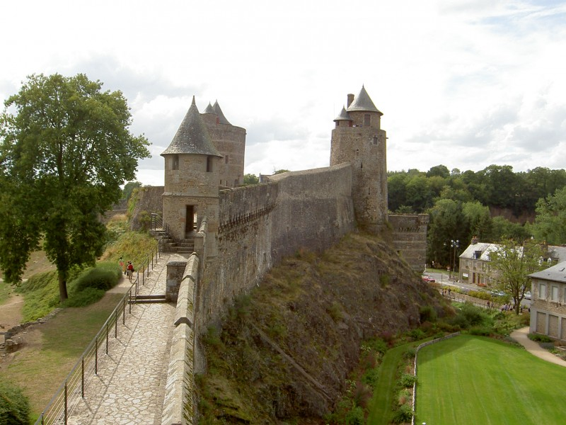 Chateau de Fougeres bnb chambres dhotes hotels