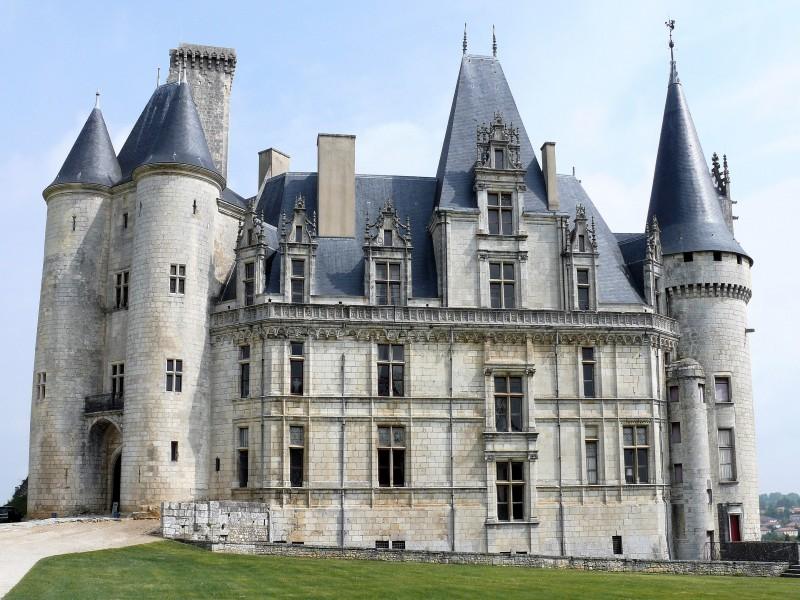 Château de La Rochefoucauld bnb chambres dhotes hotels