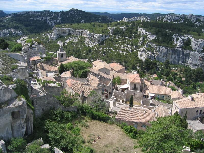 village des baux de Provence bnb chambres dhotes hotels