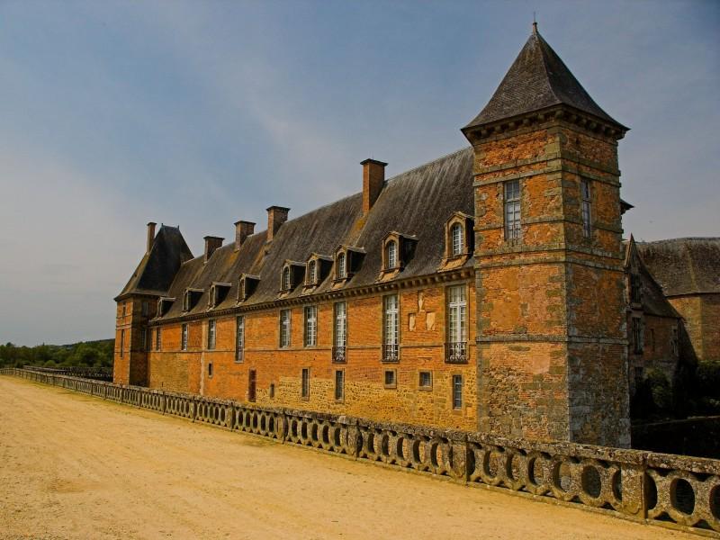 chateau de carrouges bnb chambres dhotes hotels