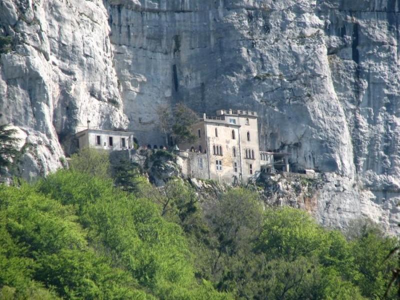 Sanctuaire de la Sainte Baume bnb chambres dhotes hotels