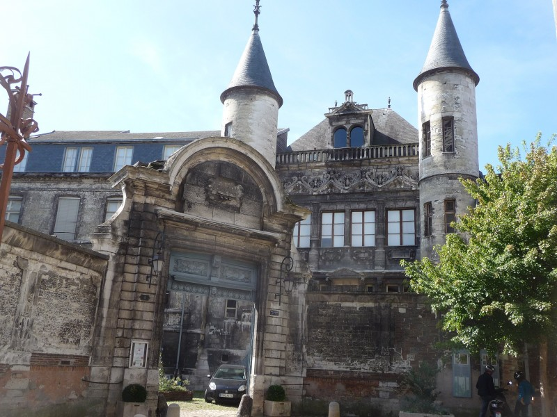 Musée de Vauluisant bnb chambres dhotes hotels