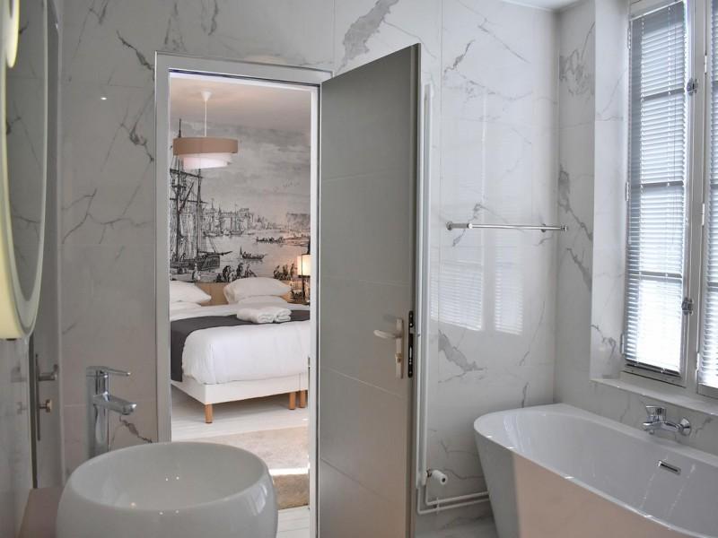 villa castel bnb chambres dhotes 5 salle de bain 1