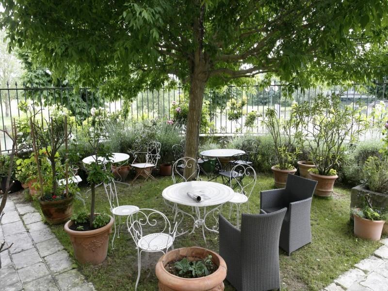 la rotonde bnb chambres dhotes 2 jardin