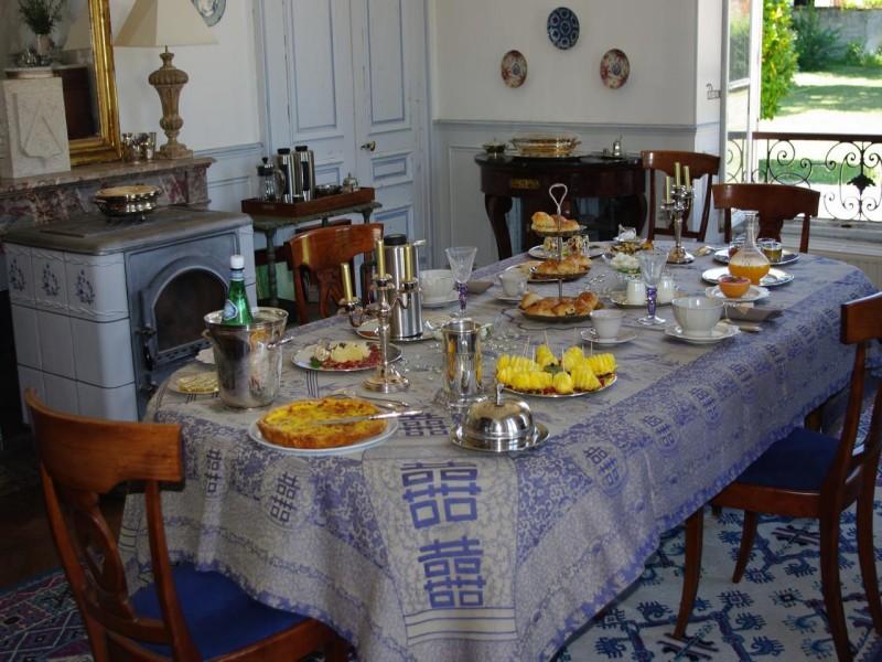 chateau de pomeuse bnb chambres dhotes 8 petit déjeuner